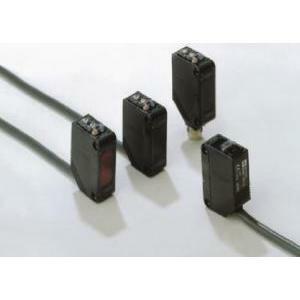 omron omron sensore fotoelettrico in cc compatto, led min.c.c.rad.reflex 1m pnp e3zd822moms-2415